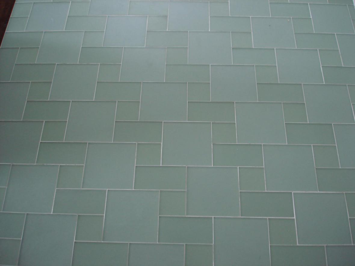 Glass 3 tile pattern floor