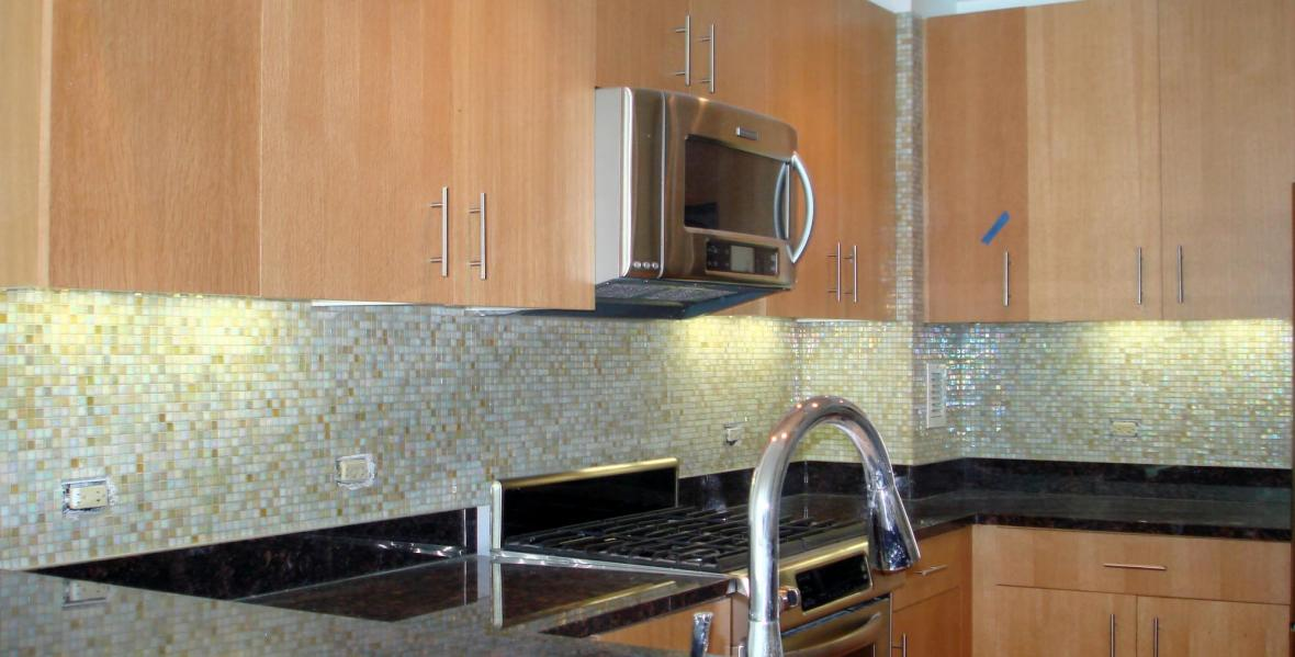 Kitchen backsplash glass mossaic