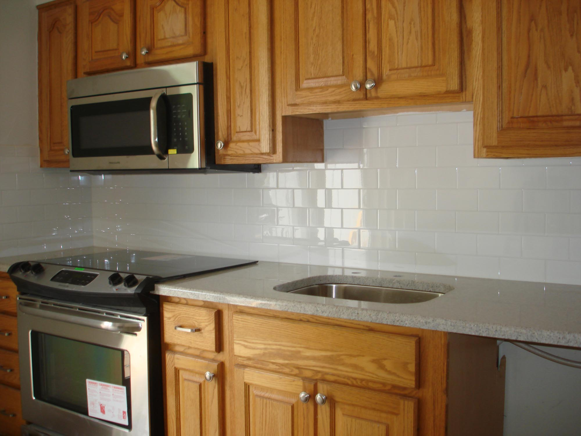 Clean And Simple Kitchen Backsplash White 3x6 Subway Tile